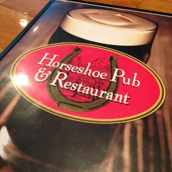 Photo prise au Horseshoe Pub & Restaurant par Jeff T. le12/29/2012