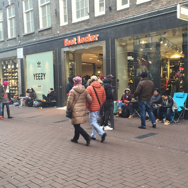 9411abdba54ef9 Foot Locker - Stadsdeel Centrum - 0 tips