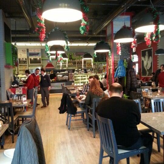 Foto tomada en Soho Green's por Saygin E. el 12/30/2012