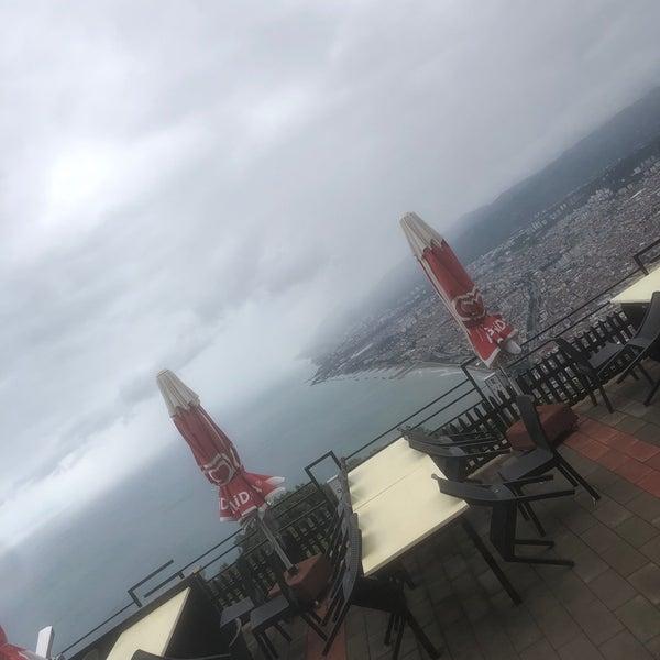 Foto tirada no(a) Tepe Restaurant por Sait O. em 8/18/2019