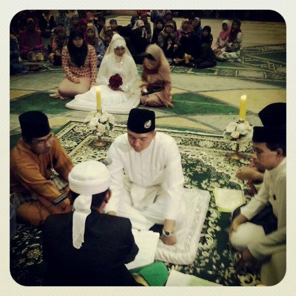 12/24/2012 tarihinde Mr Syafziyaretçi tarafından Masjid Al-Ameerah Al-Hajjah Maryam, Kg Jerudong'de çekilen fotoğraf