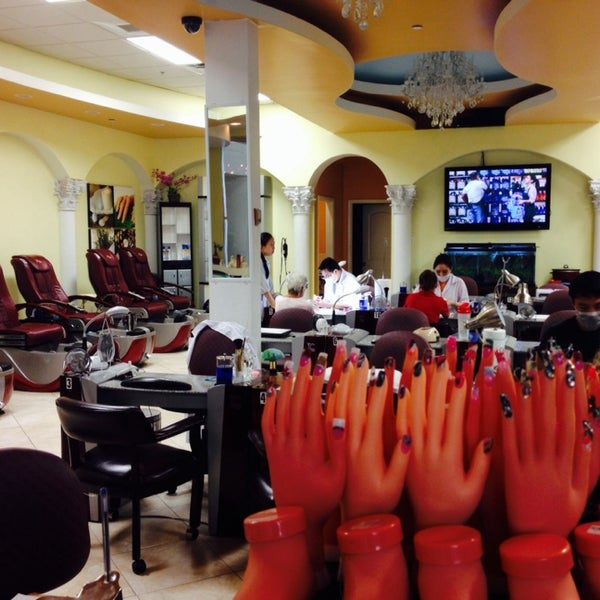 Photos at Signature Nails and Spa - Melbourne, FL