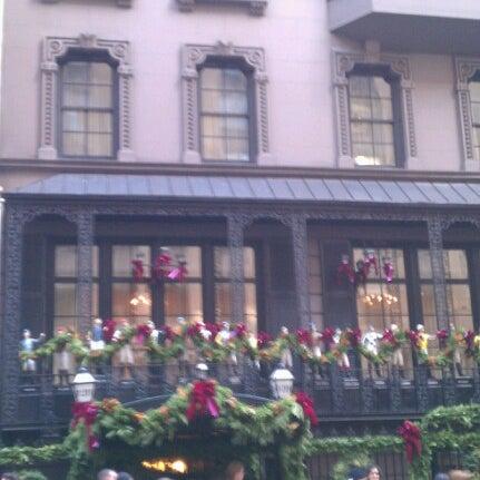 11/22/2012 tarihinde Jenn K.ziyaretçi tarafından 21 Club'de çekilen fotoğraf