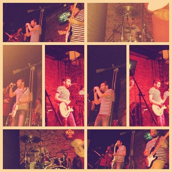 Foto diambil di Mask Live Music Club oleh Gizem E. pada 3/10/2013
