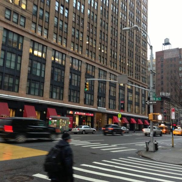 1/29/2013 tarihinde Pedro T.ziyaretçi tarafından Hilton New York Fashion District'de çekilen fotoğraf