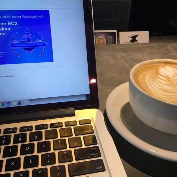 Das Foto wurde bei Coffee Foundry von Darrell am 8/9/2016 aufgenommen