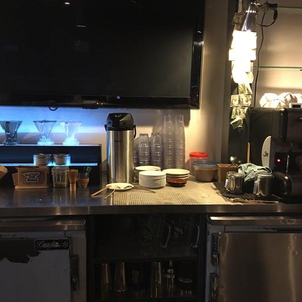 Das Foto wurde bei Coffee Foundry von Darrell am 7/20/2016 aufgenommen