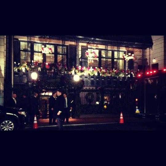 12/11/2012 tarihinde Mary F.ziyaretçi tarafından 21 Club'de çekilen fotoğraf
