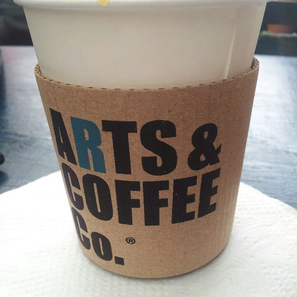 Foto diambil di Arts & Coffee Co. oleh Jury N. pada 6/22/2013