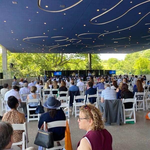 Das Foto wurde bei LeFrak Center at Lakeside von Luis F. am 6/10/2021 aufgenommen
