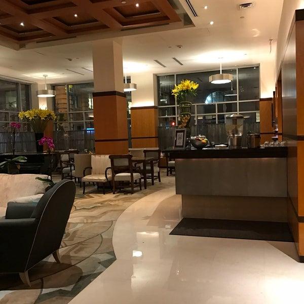 Foto scattata a Hotel Giraffe da Marie F. il 4/5/2017