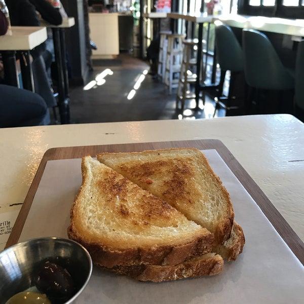 Photo prise au Cheese Grille par Marie F. le12/7/2017