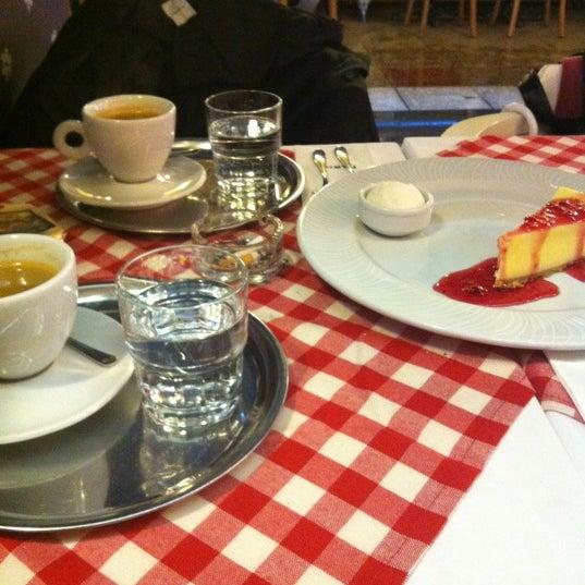 รูปภาพถ่ายที่ Faros Old City โดย Miays S. เมื่อ 12/17/2012