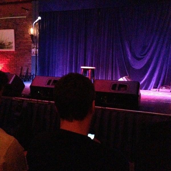 Foto tomada en The Stage por Jeffrey M. el 2/18/2013