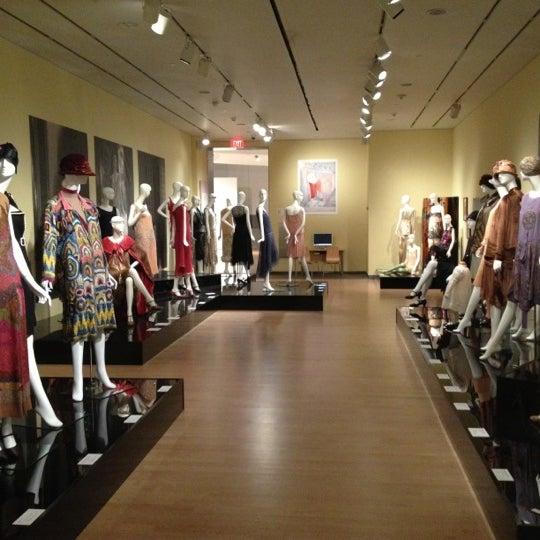 Снимок сделан в Phoenix Art Museum пользователем Alina 11/15/2012