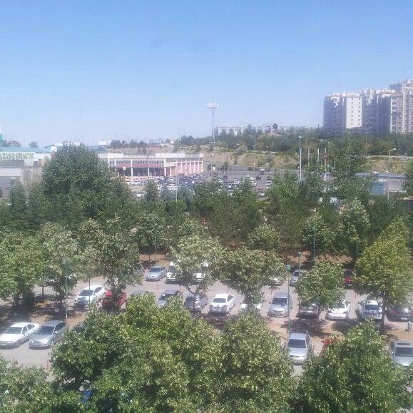 Das Foto wurde bei Bilkent Center von Ersin O. am 7/25/2013 aufgenommen
