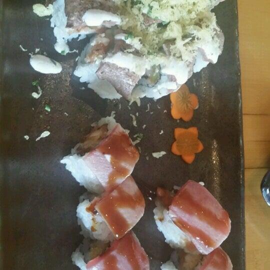 Das Foto wurde bei Mura Japanese Restaurant von Marci T. am 8/2/2016 aufgenommen