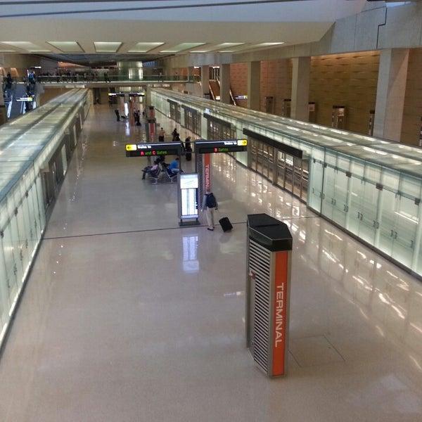 Снимок сделан в Вашингтонский аэропорт имени Даллеса (IAD) пользователем Michael J. 6/26/2013