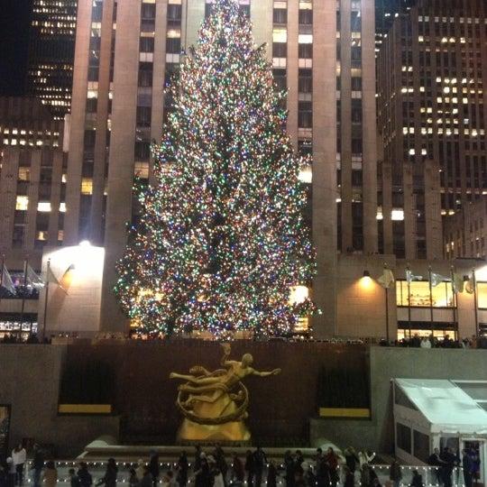 Das Foto wurde bei The Rink at Rockefeller Center von Jeffy G. am 11/30/2012 aufgenommen
