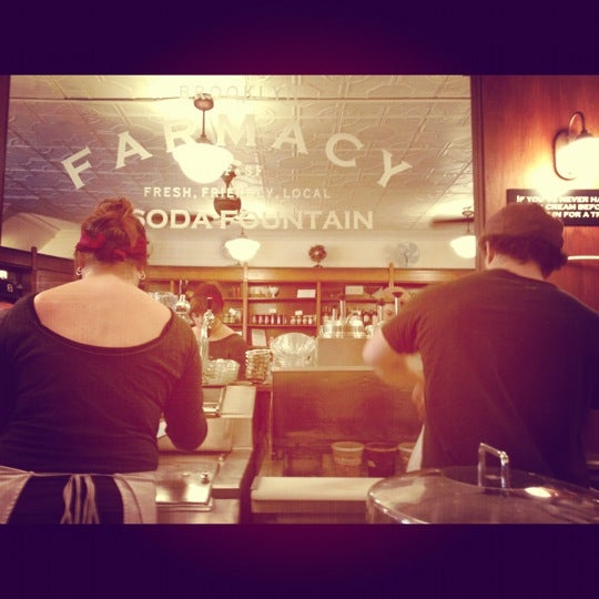 Foto scattata a Brooklyn Farmacy & Soda Fountain da Josh T. il 11/17/2012