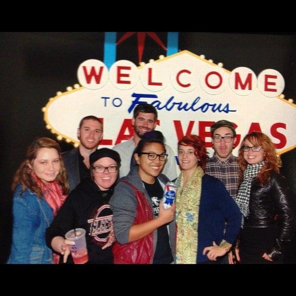 11/21/2012 tarihinde Angie O.ziyaretçi tarafından VEGAS! The Show'de çekilen fotoğraf