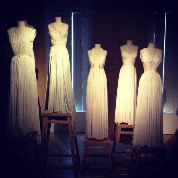 Foto tirada no(a) MoMu - ModeMuseum Antwerpen por Joyce P. em 1/27/2013