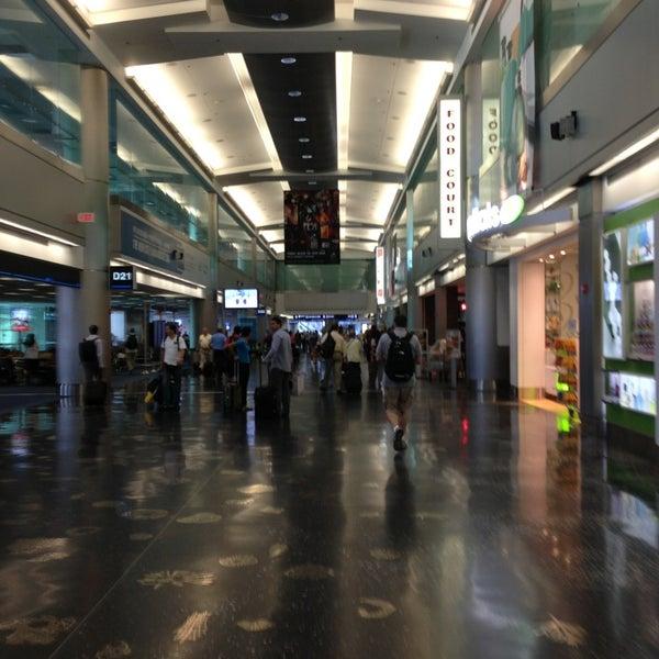 concourse d - miami international airport - miami, fl