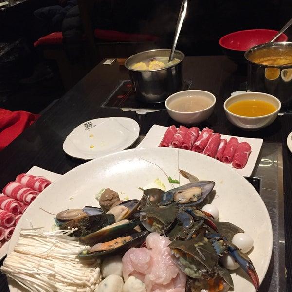 Foto diambil di 99 Favor Taste 99號餐廳 oleh Reiko L. pada 1/18/2018