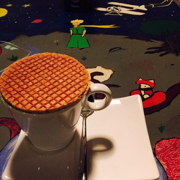 Foto tirada no(a) Cotta Coffee por Samiha Ö. em 12/11/2016