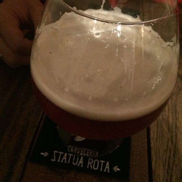 La cerveza con jengibre es lo máximo! La hamburguesa Nápoles súper recomendada :)