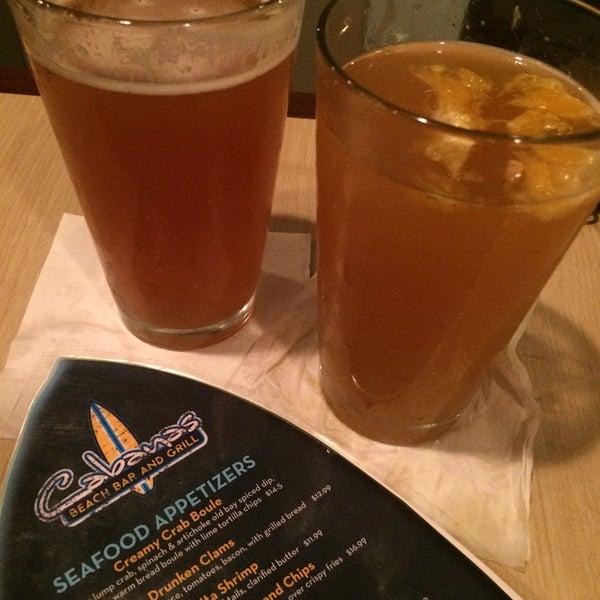 Foto tomada en Cabanas Beach Bar and Grill por Kelly el 10/22/2016