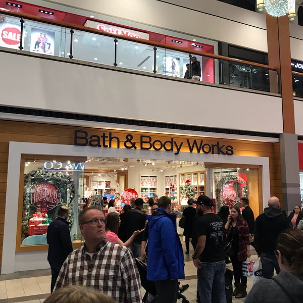 The Works Oakville >> Bath Body Works 92 Visitors