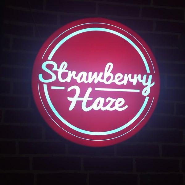 Photo prise au Strawberry Haze (18+) par Olli💁🏼♀️ le10/21/2016
