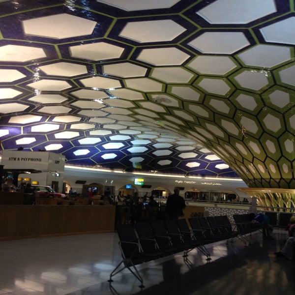 Photo prise au Abu Dhabi International Airport (AUH) par Raul S. le5/30/2013