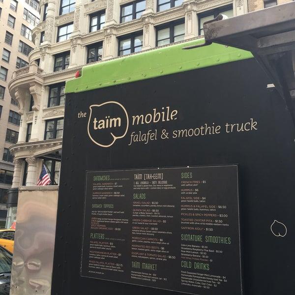 3/16/2016 tarihinde Error404 H.ziyaretçi tarafından Taïm Mobile Falafel & Smoothie Truck'de çekilen fotoğraf