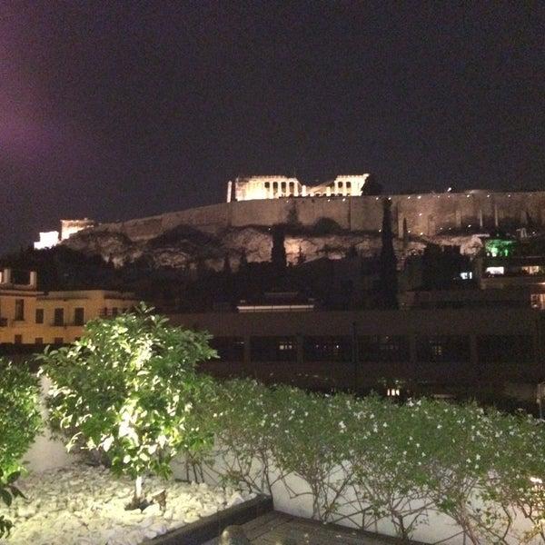 Foto scattata a Herodion Hotel da Trian K. il 7/18/2014