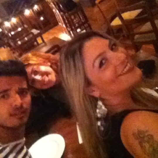10/2/2012 tarihinde Yoncaziyaretçi tarafından Mica Restaurant & Bar'de çekilen fotoğraf