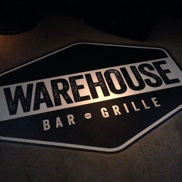 Снимок сделан в Warehouse Bar & Grill пользователем Whitney M. 1/9/2014