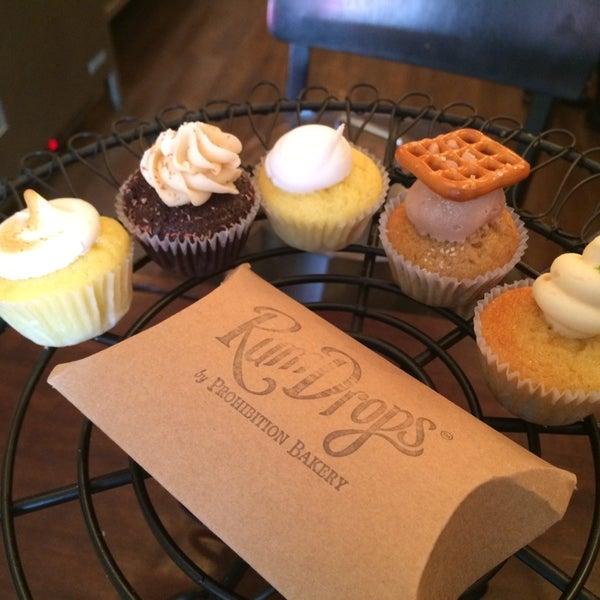 รูปภาพถ่ายที่ Prohibition Bakery โดย dave h. เมื่อ 4/26/2014
