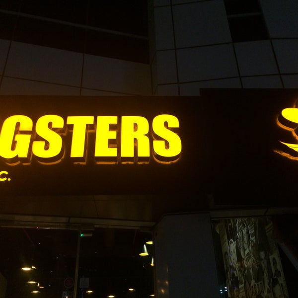 Photo taken at Wingsters وينجستر by Mohammed M. on 6/10/2015