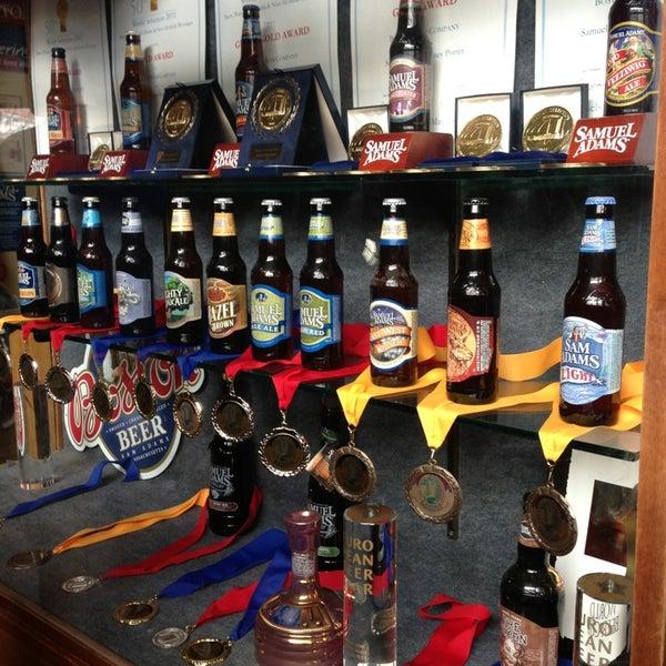 Photo prise au Samuel Adams Brewery par Rosie V. le3/17/2013