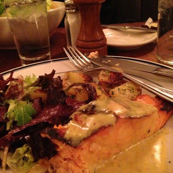 Foto tirada no(a) La Bonne Soupe por Glenn L. em 1/7/2013