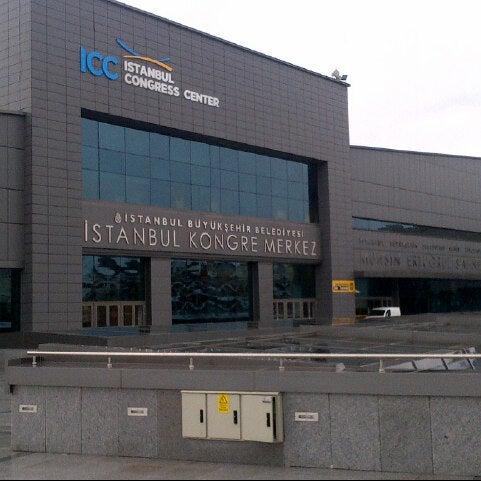 Das Foto wurde bei İstanbul Kongre Merkezi von Melih Ö. am 2/8/2013 aufgenommen