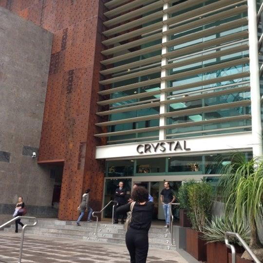 Foto tirada no(a) Shopping Crystal por Augusto K. em 12/15/2012