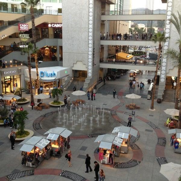 รูปภาพถ่ายที่ Hollywood & Highland Center โดย Fatma เมื่อ 3/14/2013