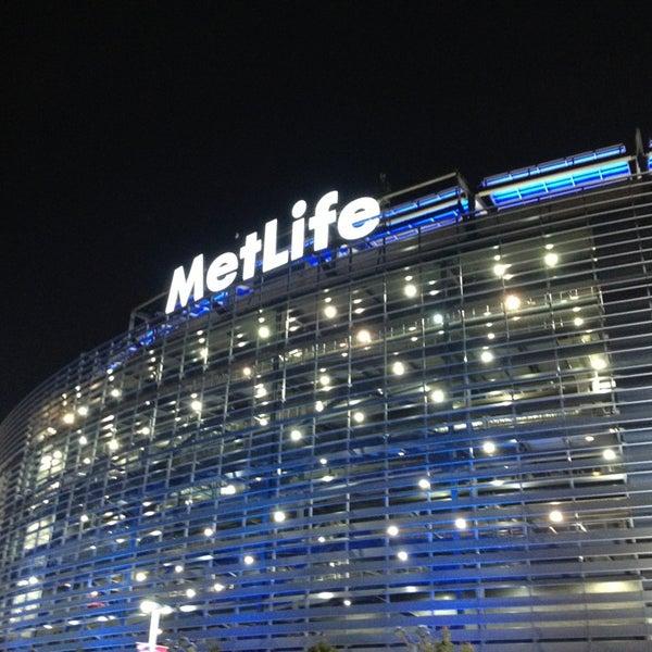 รูปภาพถ่ายที่ MetLife Stadium โดย Allison K. เมื่อ 9/16/2013