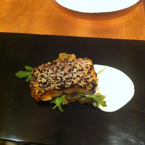 Снимок сделан в Ambar Balkan Cuisine пользователем Milton H. 1/7/2013