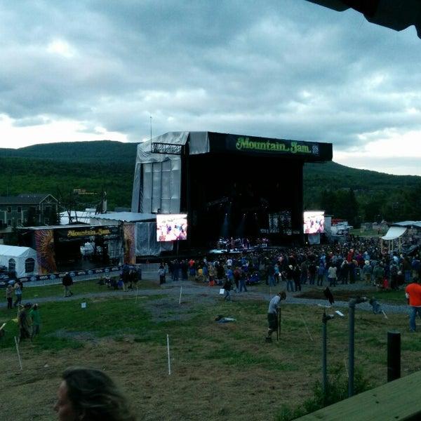 Das Foto wurde bei Mountain Jam von Kevin G. am 6/6/2014 aufgenommen