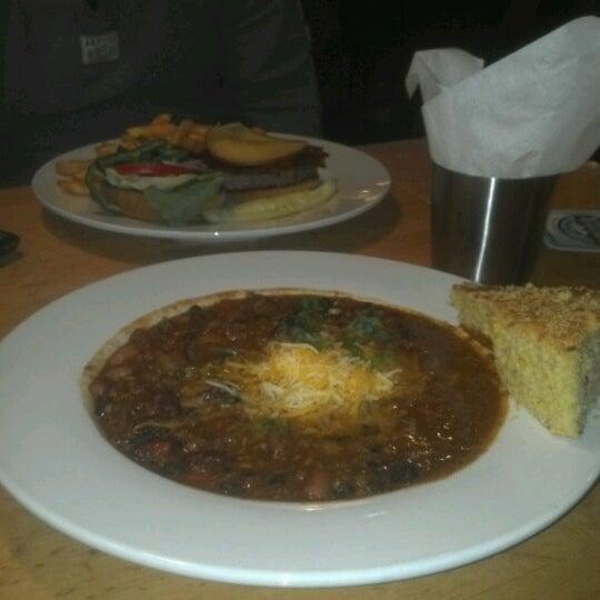 Das Foto wurde bei Snake River Brewery & Restaurant von Dana H. am 10/9/2012 aufgenommen