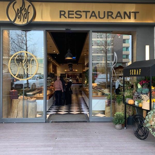 Photo prise au Seraf Restaurant par Cem G. le3/8/2020